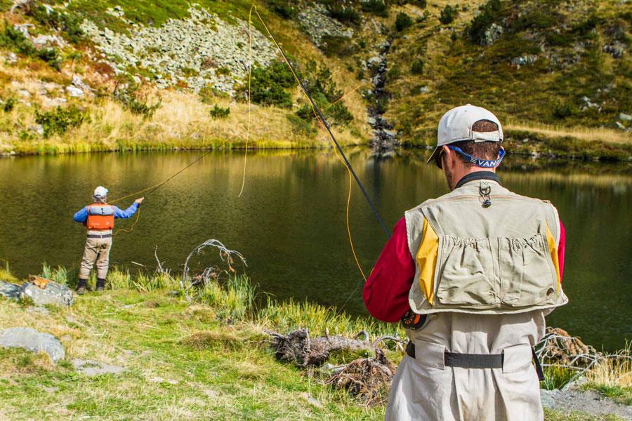 Pesca de montaña con guía profesional